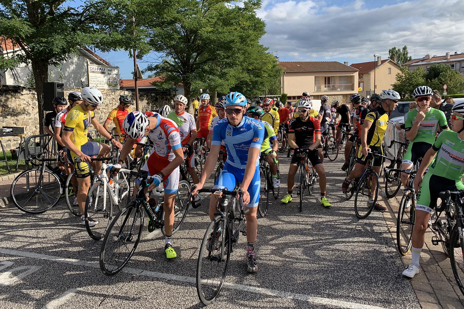 Alors que pour la deuxième année consécutive les épreuves s'annulent les unes après les autres, une véritable crise s'annonce dans le monde du cyclosport.