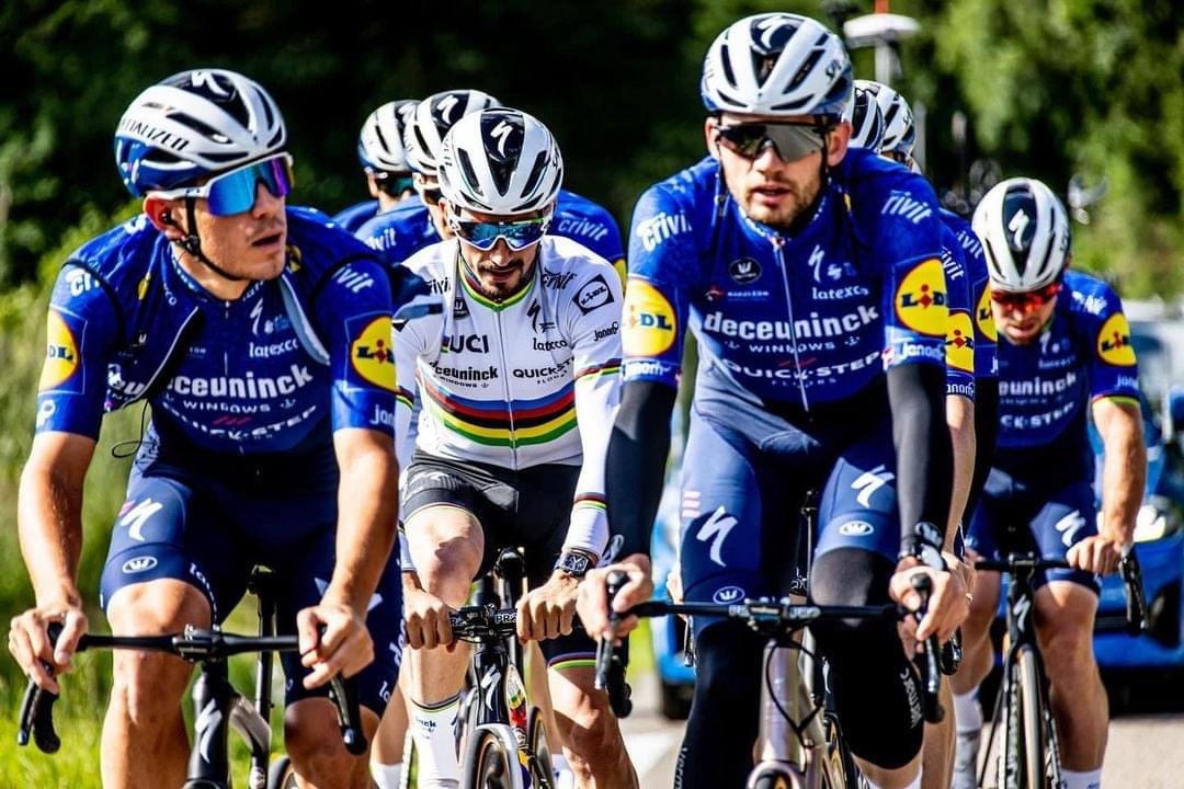 Alaphilippe et son Wolf Pack
